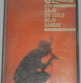 bajo un cielo rojo sangre U2 cassette art usado