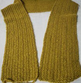 bufanda color mostaza 130 x 14cm